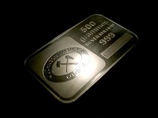800px-Johnson_Matthey_500_grammes_silver_bullion