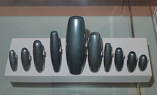 320px-Mesopotamian_weights_made_from_haematite